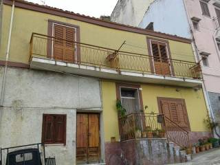 Foto - Casa indipendente via Nino Bixio, Collesano