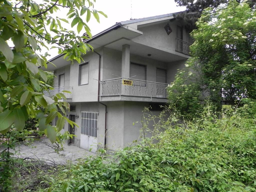 foto prima casa Single family villa, to be refurbished, 200 sq.m., Castellinaldo d'Alba