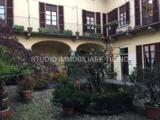 Foto - Palazzo / Stabile due piani, ottimo stato, Oleggio