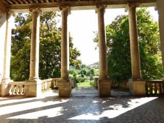Foto - Palazzo / Stabile tre piani, da ristrutturare, Lumignano, Longare