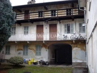 Foto - Palazzo / Stabile tre piani, Oleggio