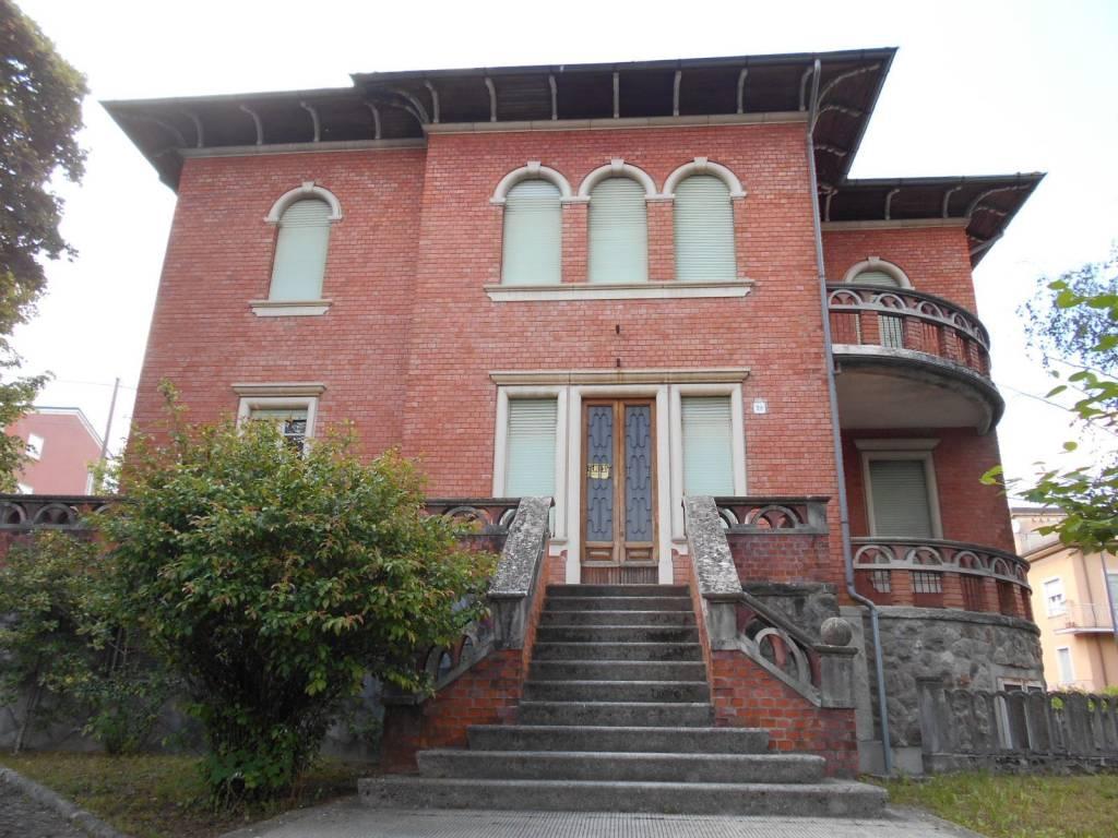 foto  Villa via Piave 20, Borgo Val di Taro