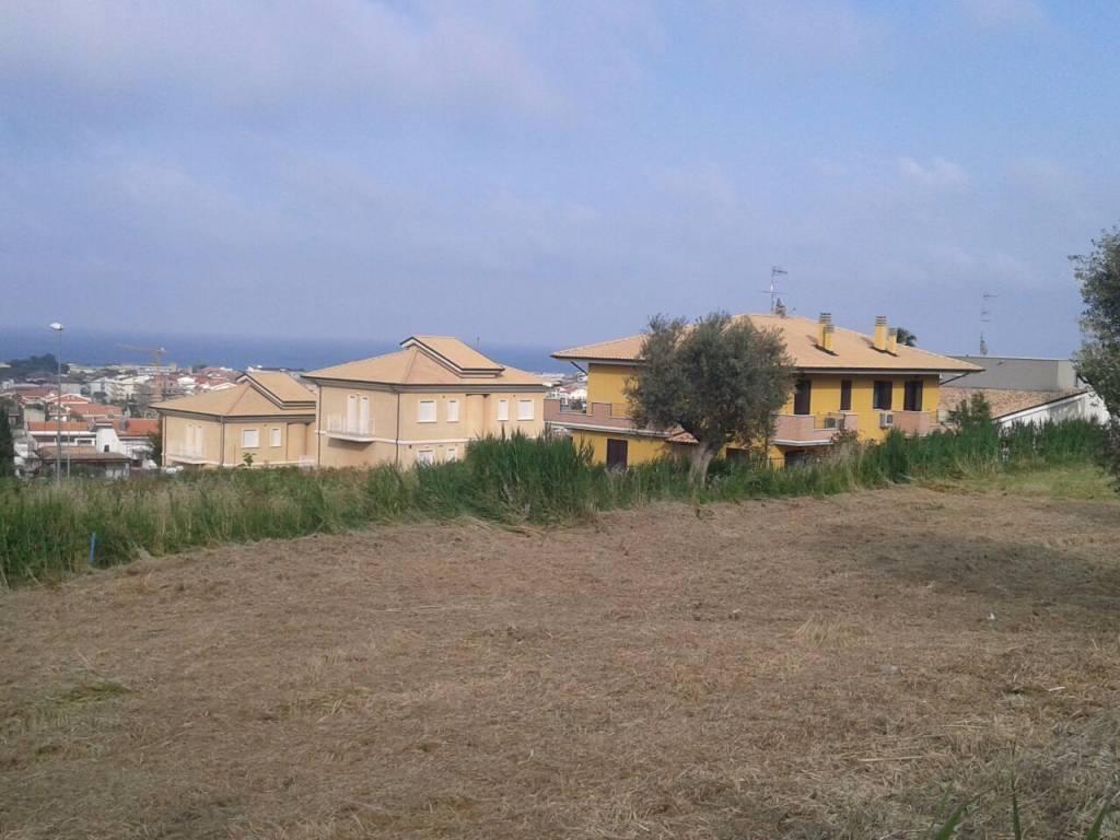 foto  Terreno edificabile residenziale a Tortoreto