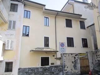 Photo - Building piazza Craveri 3, Pont-Canavese