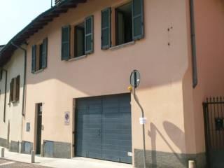 Case in Vendita: Lecco Appartamento piazza della Vittoria 17, Acquate, Lecco