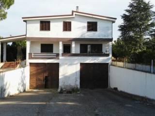 Foto - Palazzo / Stabile due piani, buono stato, Carmiano
