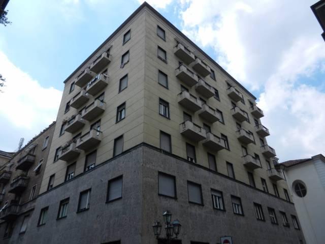 Ufficio / Studio in affitto a Torino, 6 locali, zona Zona: 1 . Centro, Quadrilatero Romano, Repubblica, Giardini Reali, prezzo € 1.000 | Cambio Casa.it