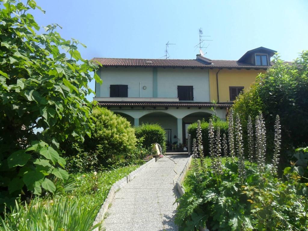 foto Facciata Villa unifamiliare Strada Vicinale Campora, Vercelli