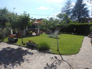 Foto - Villa via delle Rose 29, Località Pezzetaglie, Oricola