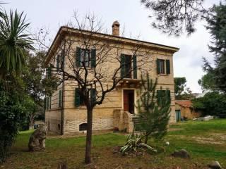 Foto - Villa, da ristrutturare, 380 mq, Offida