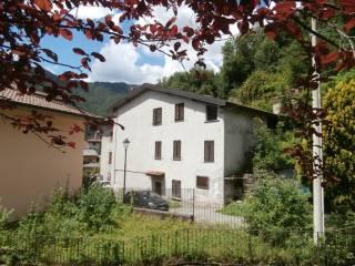Foto - Villa, da ristrutturare, 170 mq, Lasnigo