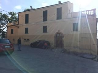 Foto - Palazzo / Stabile largo del Castello, Mosciano Sant'Angelo
