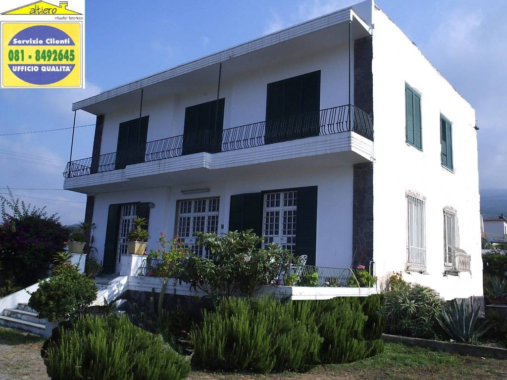 Vendita villa in via pagliarelle 11 torre del greco buono for Case in vendita torre del greco