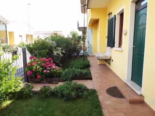 Foto - Villa via Umberto Giordano 4A, Ghedi