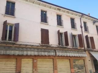 Foto - Palazzo / Stabile via XXVI Aprile 1945, Goito
