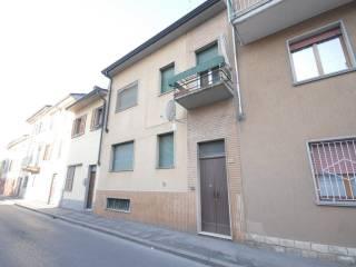 Foto - Palazzo / Stabile due piani, buono stato, Broni