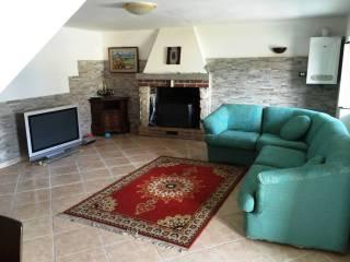 Foto - Casa indipendente 110 mq, ottimo stato, Varano, Isola Del Gran Sasso D'Italia