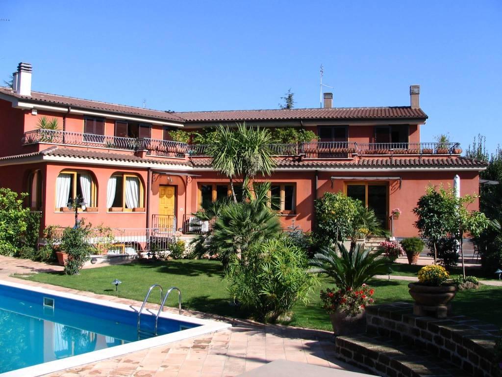 Vendita villa unifamiliare in via dei casali santovetti roma
