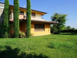 Foto - Villa via Enrico Berlinguer, Calcinato