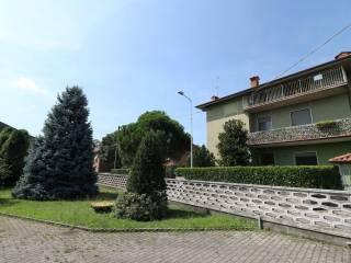 Foto - Trilocale via San Pietro, Bonate Sotto