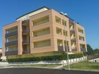 Foto - Bilocale via Calabria 2, Bastia Umbra