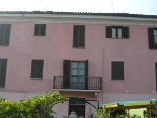 Foto - Palazzo / Stabile tre piani, da ristrutturare, Villafranca d'Asti