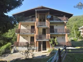 Foto - Palazzo / Stabile via Alpi Graie 20, Frassinetto