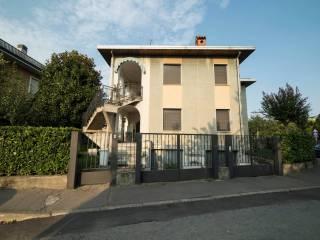 Foto - Villa via Giosuè Carducci 4, Trezzano Sul Naviglio