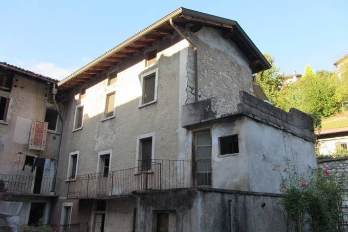 foto  Single-family townhouse via Cadamiani 25-27, Sedrina
