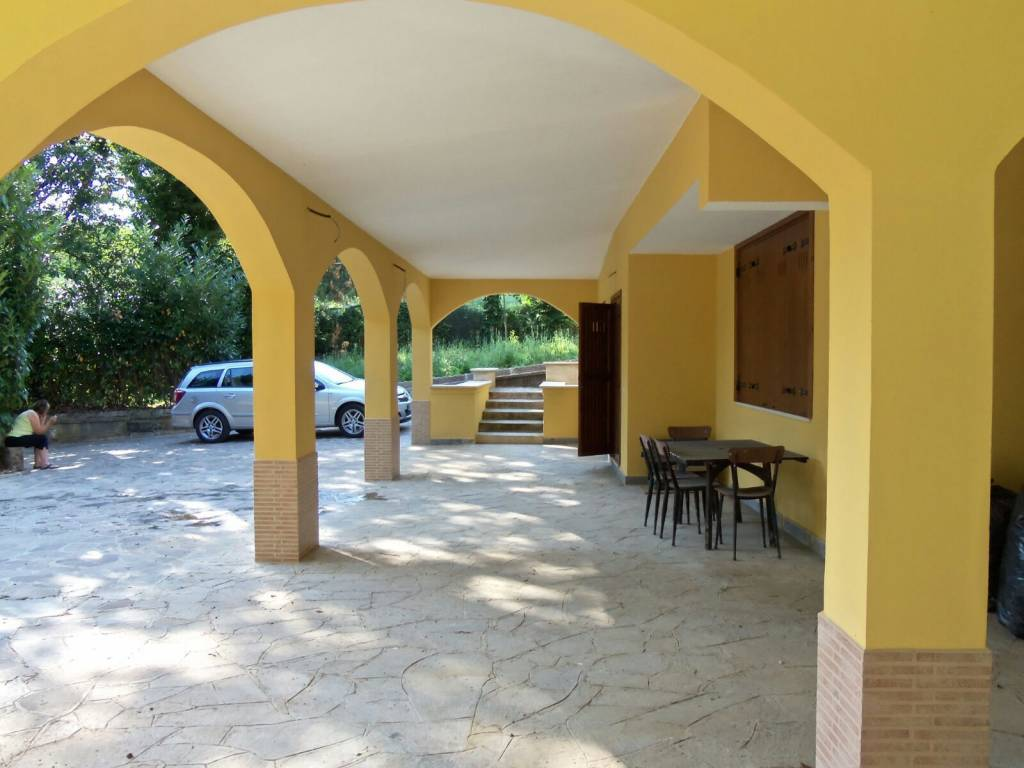 foto  Villa unifamiliare via Carpinetana 2, Bassiano