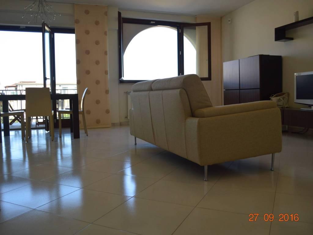 foto salone Appartamento Contrada Santa Lucia 39, Ortona