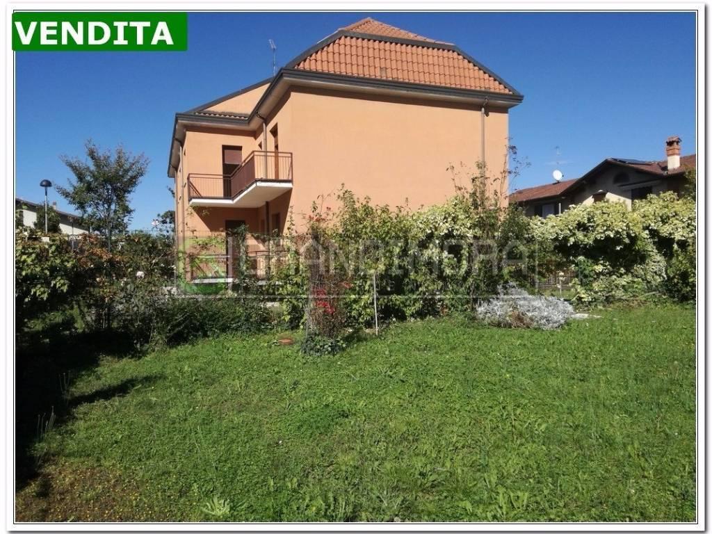 foto  Villa plurifamiliare via Rampinelli 2, Suisio