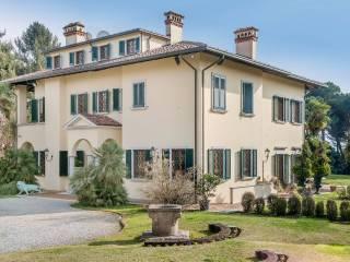 Foto - Palazzo / Stabile via Filippo Turati 12, Carugo