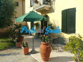 Foto - Palazzo / Stabile tre piani, buono stato, Monzambano