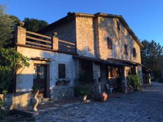 Foto - Rustico / Casale via Vaiano, Palazzo, Assisi