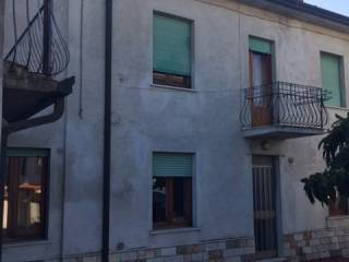 Foto - Appartamento buono stato, piano terra, Dolci, Peschiera Del Garda