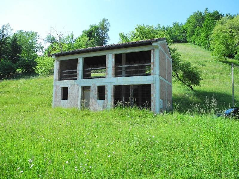 foto  Country house, to be refurbished, 187 sq.m., Follina