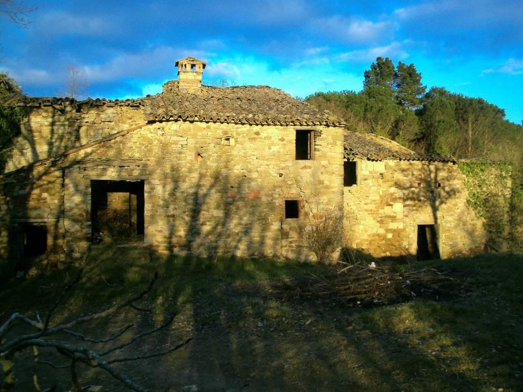 foto  Casale, da ristrutturare, 600 mq, Monte Santa Maria Tiberina