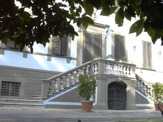 Foto - Palazzo / Stabile tre piani, ottimo stato, Camaiore
