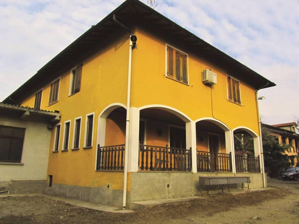 foto vista esterna Multi-family villa, good condition, 446 sq.m., Calvignasco