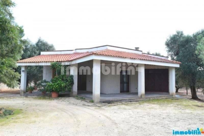 foto  Villa unifamiliare, buono stato, 115 mq, Oria