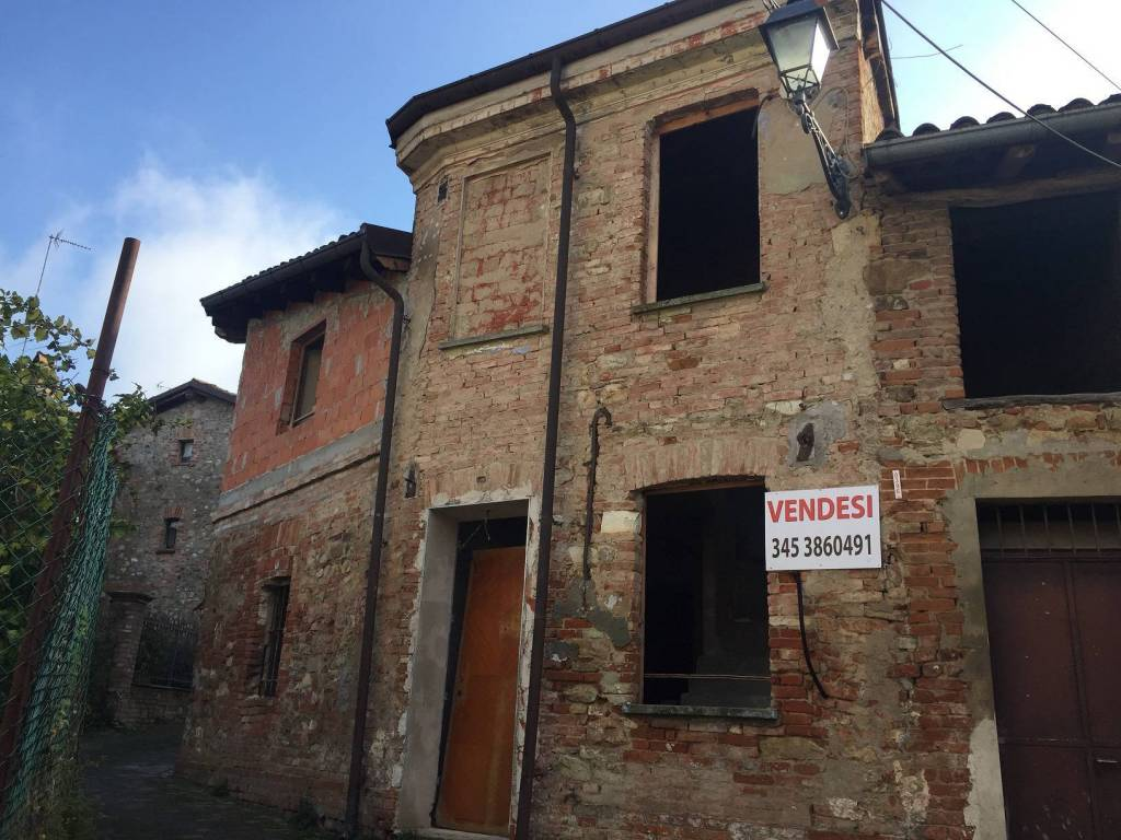 foto  Casa indipendente Strada Levante di Castello, Tortona