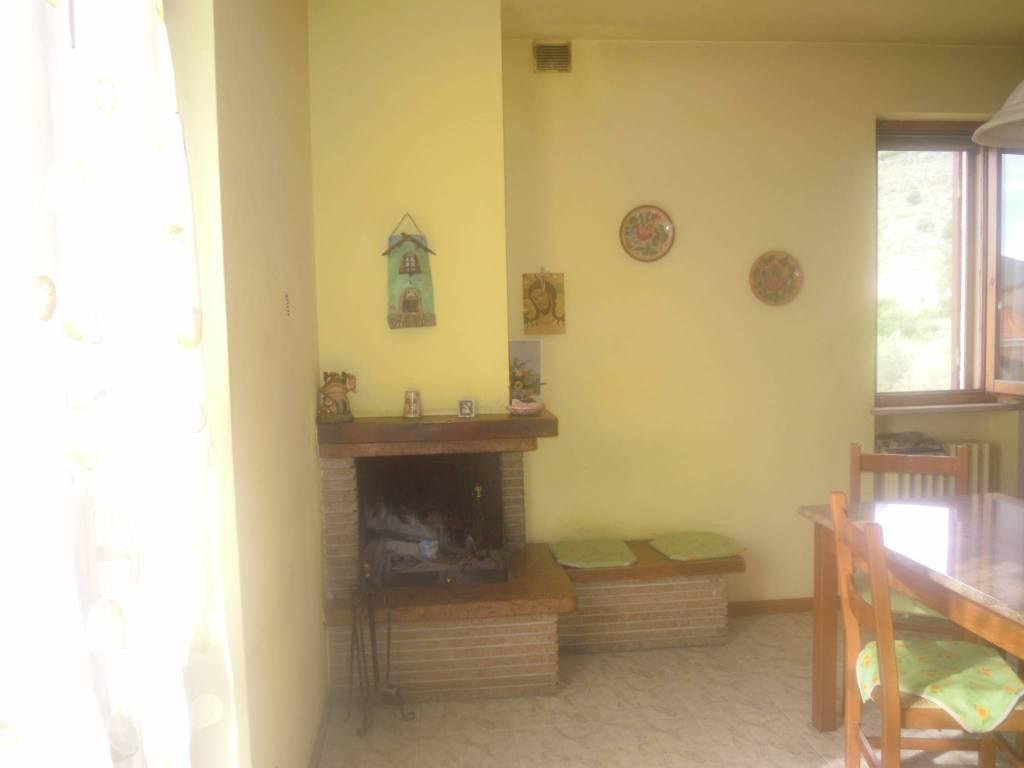 foto Cucina Wohnung viale Trento e Trieste 42, Campello sul Clitunno