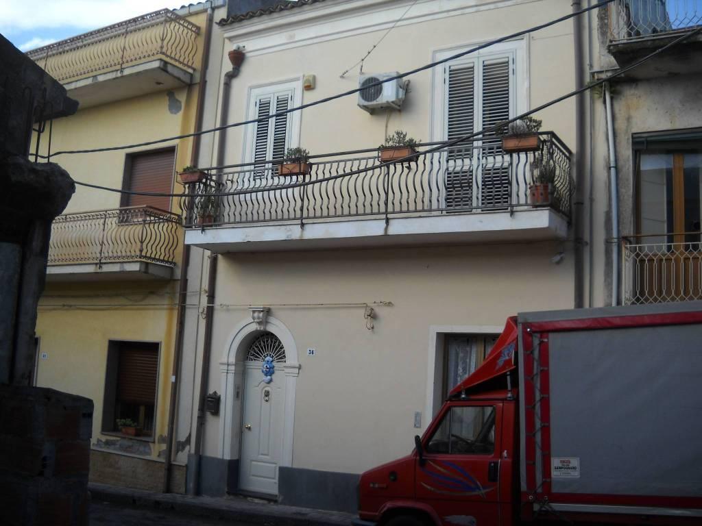 foto  Multi-family townhouse via Regina Elena, Piedimonte Etneo