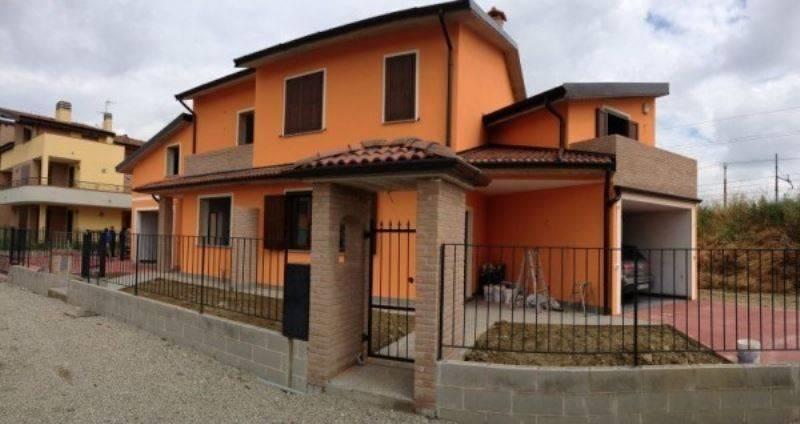 foto  Villa, nuova, 140 mq, Casalpusterlengo