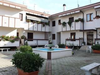 Foto - Quadrilocale via Stradonetto, Madonna del Fuoco, Pescara