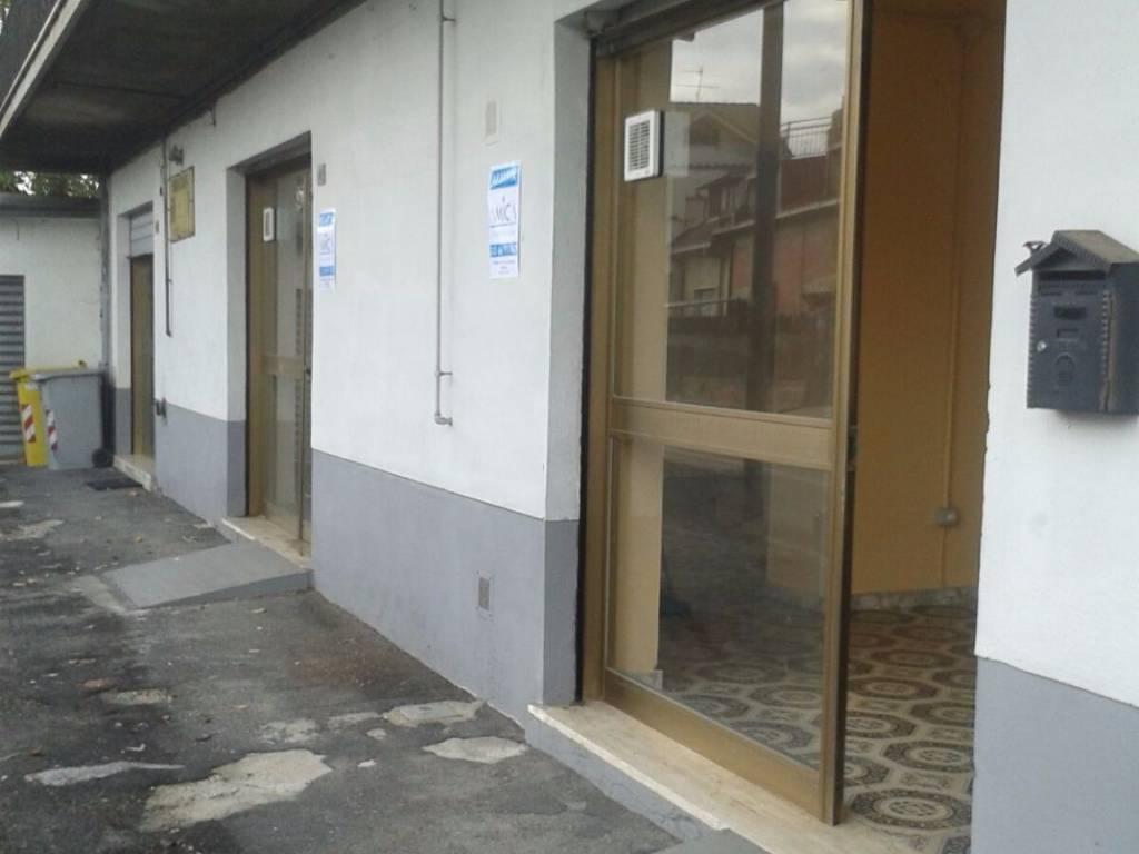 foto Vetrine Negozio in Affitto a Scurcola Marsicana