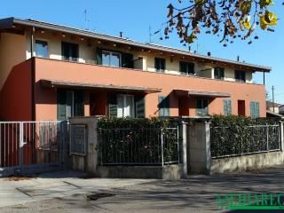 Foto - Villa a schiera via Salvo D'acquisto, Limido Comasco