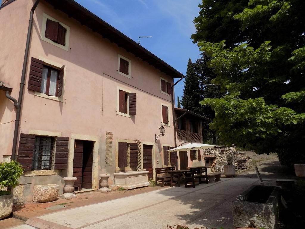 foto facciata Country house, to be refurbished, 390 sq.m., San Martino Buon Albergo
