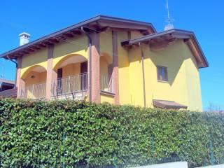 Foto - Trilocale via Menegardo, Bregnano